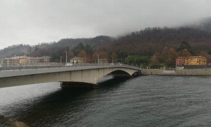 Mobilitazione dei soccorsi nei pressi del Ponte Kennedy