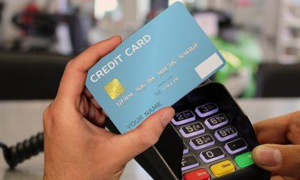 Crescono i pagamenti digitali in Italia: le novità del 2021 tra contactless, SCA e commissioni