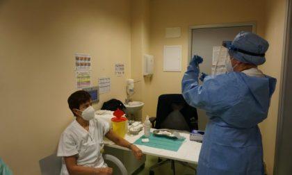 Immunità di massa entro agosto: per raggiungerla a Lecco servono 2400 vaccini anti Covid al giorno