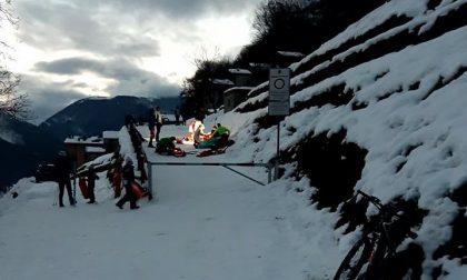 Si schianta con la bici nella neve: mobilitati soccorso alpino sanitari e anche  l'elicottero. 18enne in condizioni serie FOTO