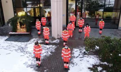 Volontari del Soccorso di Calolziocorte: flash mob per gli auguri di buon anno