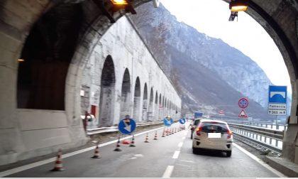 Carreggiata ristretta sulla Statale 36: dopo le lunghe code il cantiere ridotto da 500 a 150 metri
