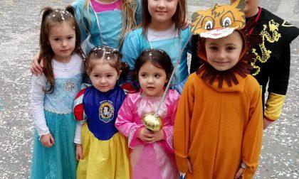 Carnevale... in mascherina! Ecco i trucchi più belli che si sono visti in centro Lecco