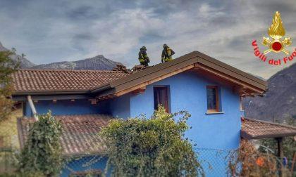 """Ancora un tetto a fuoco, l'appello dei pompieri: """"Pulite le canne fumarie"""""""
