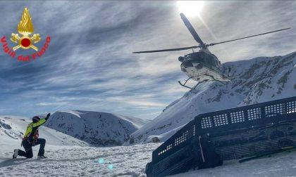 Quattro escursionisti travolti da una valanga: le immagini dei Vigili del Fuoco di Lecco in Abruzzo impegnati nelle ricerche