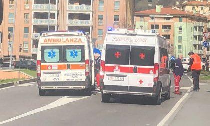 Pensionata investita a Lecco trasportata in ospedale