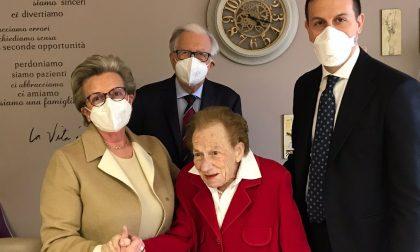 Cento auguri alla signora Angela Invernizzi in Riva