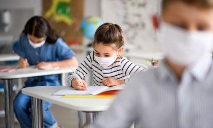 """Niente didattica in presenza per i figli dei """"lavoratori indispensabili"""", medici e infermieri compresi (per ora)"""