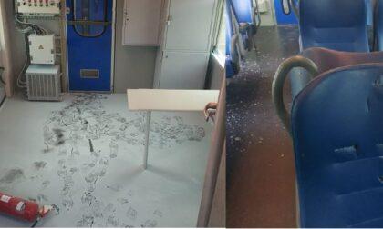 Ancora un assurdo atto vandalico: treno distrutto e danni per migliaia di euro