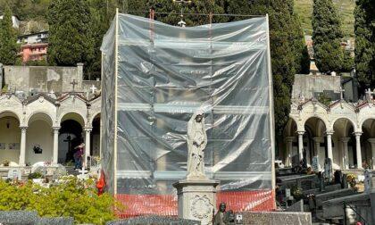 Lavori al cimitero: nuova vita per la statua di monsignor Vitali