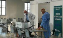 Vaccini: oggi il secondo hub di massa nel Lecchese e prenotazioni per gli over 65