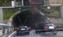 Chiusa una corsia del Barro, lunghe code e traffico in tilt
