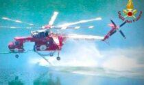 Preoccupa l'incendio sul Monte Croce:in azione quattro elicotteri e un canadair