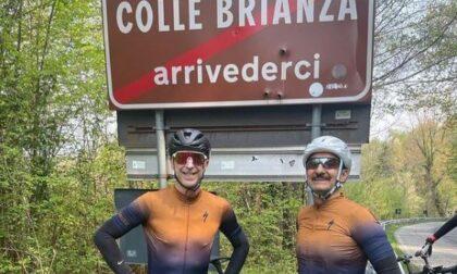 Dj Linus e Nicola Savino fanno tappa in bici in quel di Galbiate