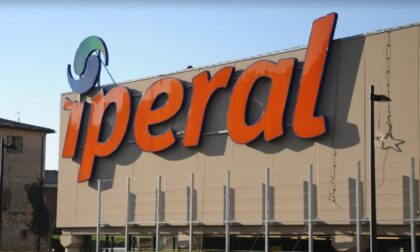 Riaprire i negozi dei centri commerciali nei weekend, la protesta anche nel Lecchese