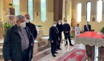 Monsignor Delpini incontra i lavoratori del Mandic e celebra la messa nella cappella dell'ospedale