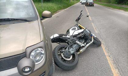 Weekend terribile sulle strade, ennesimo schianto auto moto: 46enne in ospedale in condizioni serie  e traffico in tilt