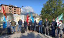 Sciopero della sanità lecchese: lavoratori in presidio davanti agli ospedali