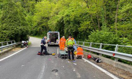 Non ce l'ha fatta il motociclista caduto questa mattina lungo la SP58