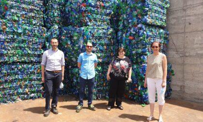 L'assessore Zuffi in visita all'impianto di selezione dei rifiuti riciclabili di Seruso