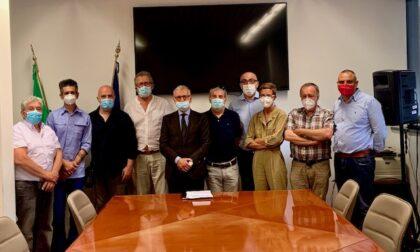 Presidio di protesta dei lavoratori del settore ambientale: il Prefetto incontra i manifestanti
