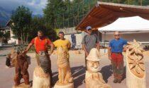 """In Valle tornano le sculture in legno """"live"""" realizzate con la motosega"""