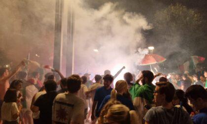 Poliziotto interviene per difendere una ragazza: aggredito a Lecco durante la festa per la vittoria dell'Italia agli Europei
