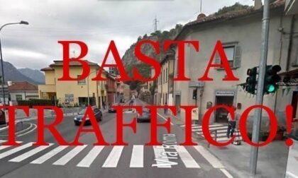 Raccolte 400 firme per togliere il semaforo a Vercurago