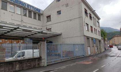 Infortunio sul lavoro a Lecco: 51enne in codice rosso per una ferita al collo