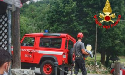 Cade sul Monte Barro: i pompieri soccorrono un bimbo di 8 anni