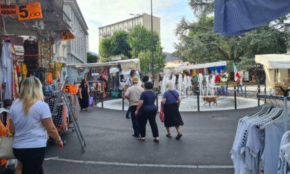 Mercato in centro Lecco, buona la prima