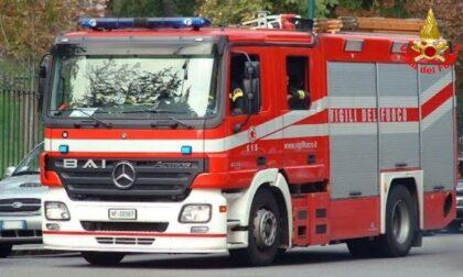 Ancora fiamme in galleria sulla Statale 36: intervento dei pompieri per un camion che si stava incendiando nel Barro