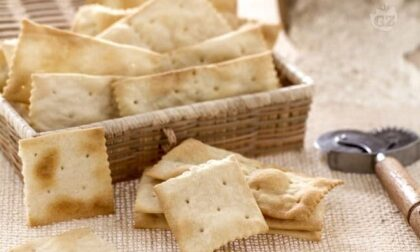 Corpi estranei nella farina, ecco i lotti di cracker ritirati