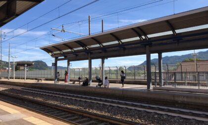 Lecco-Bergamo: niente treni fino a fine agosto. Odissea per i pendolari