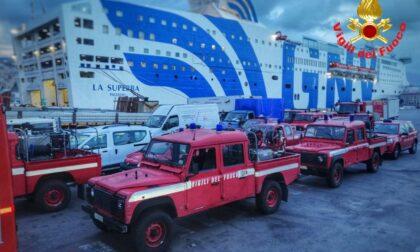 I Vigili del Fuoco di Lecco in Sicilia per domare gli incendi divorano l'isola