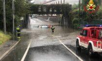 Maltempo in Lombardia: automobilisti intrappolati salvati dai pompieri