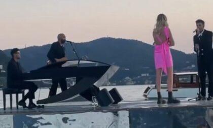 Serenata d'amore di Fedez alla Ferragni su una piattaforma sul Lago di Como