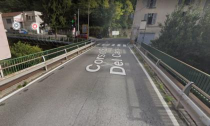 Dopo le verifiche chiuse parzialmente le passerelle pedonali sopra il Gerenzone di Corso San Michele del Carso