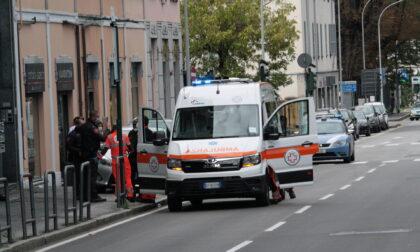 Ennesima aggressione a Lecco: guardie giurate malmenate sul bus da quattro ragazzi